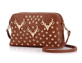 Retro Buck Head Shape Rivet Envelope Crossbody Bag - Brown [grhmf2200073]